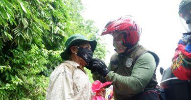 Direktorat Pol PP dan Linmas Kemendagri Beserta Satpol PP Provinsi Jawa Barat Berikan Bansos dan Patroli Prokes Jabar