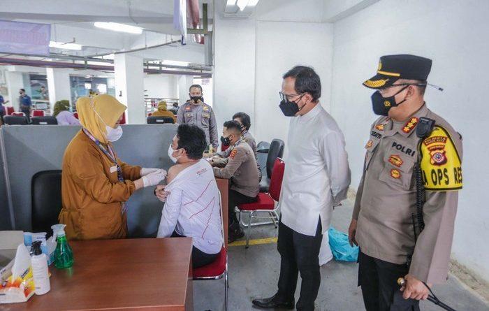Walikota Bogor Apresiasi Vaksinasi di Polresta Bogor